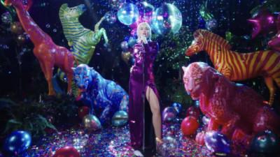 "MILEY CYRUS ""Midnight Sky"" - Miley Cyrus & Vijat Mohindra"