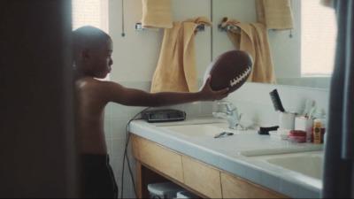 GILLETTE x THE NFL - Floyd Russ